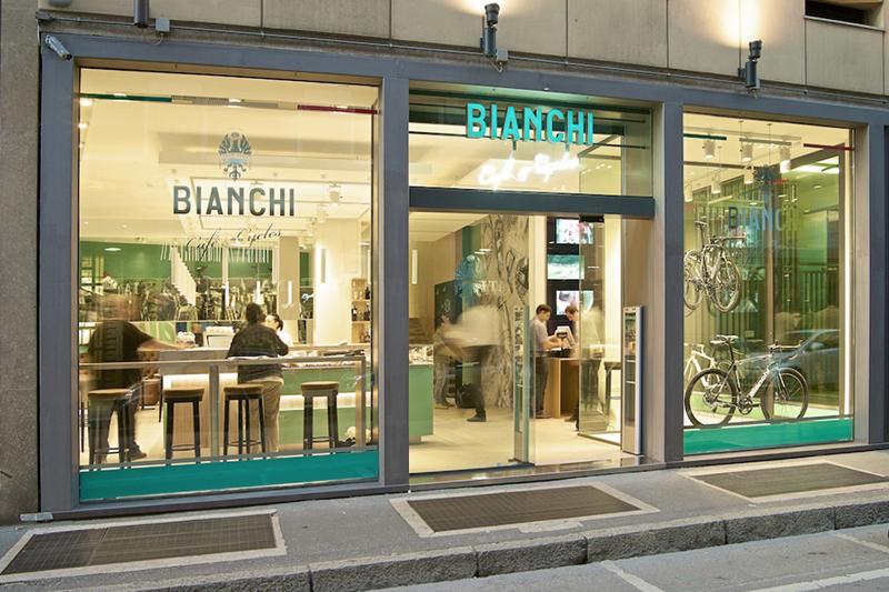 Bianchi Cafè & Cycles vetrina